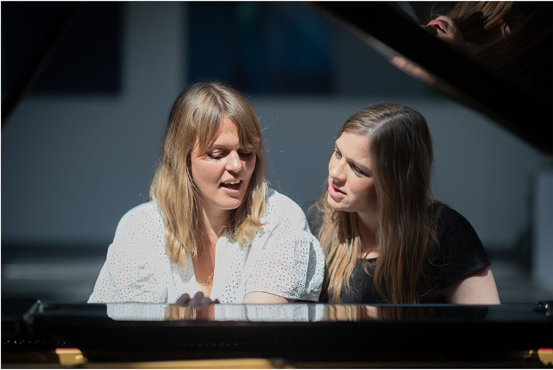 Stine Pilgaard Katrine Muff Enevoldsen romankoncert Johan Borups Højskole