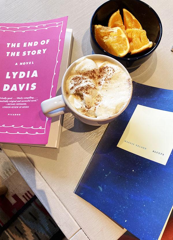 Tablereau Lydia Davis kaffe Bluets