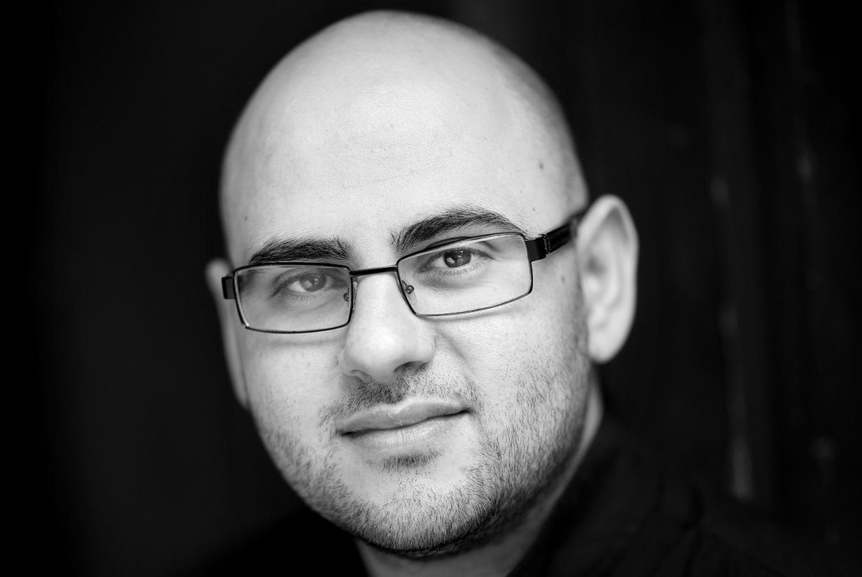 Tarek Omar, pressechef i Dignity